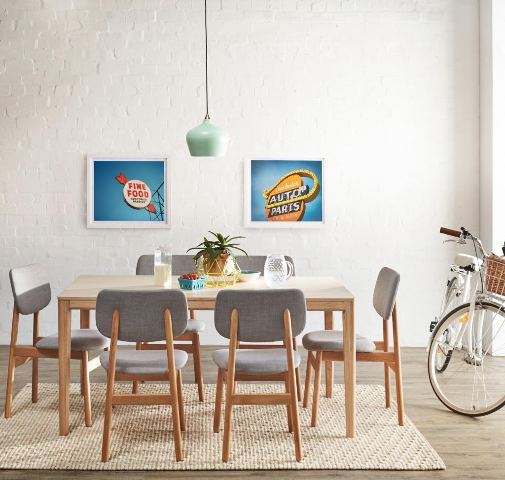 Bailey Dining Light Oak V2 Comp Bike
